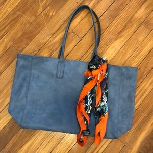 Like NEW! Blue faux leather tote bag